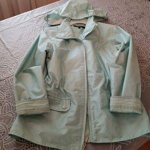Windbreaker/raincoat